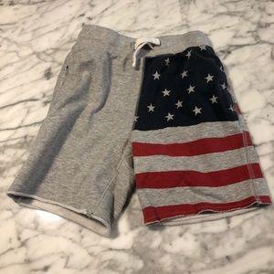 Oshkosh USA flag cotton shorts size 6